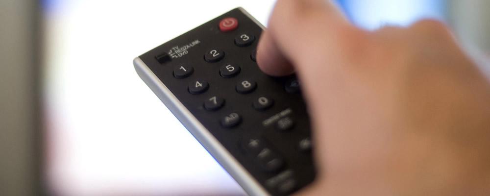 Empresa de TV por assinatura é condenada a indenizar consumidora que não conseguia cancelar o serviço